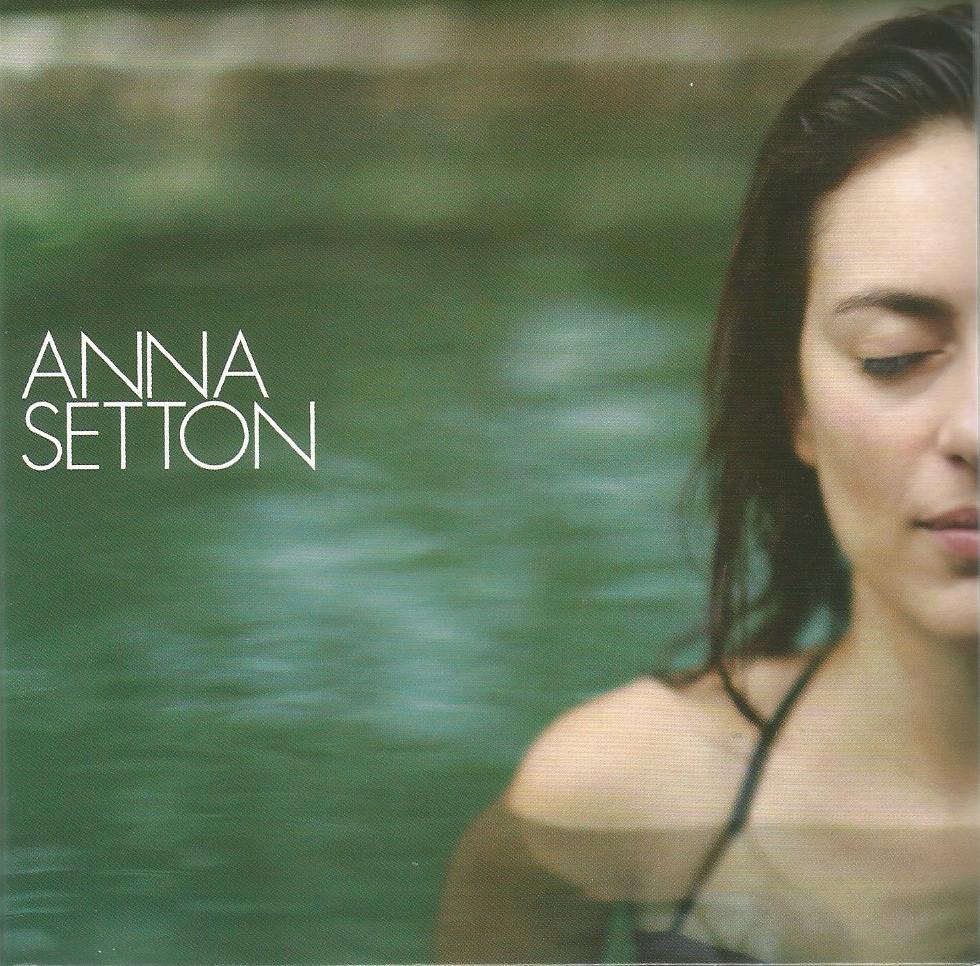 Anna Setton lança álbum nesta sexta, 23 de novembro