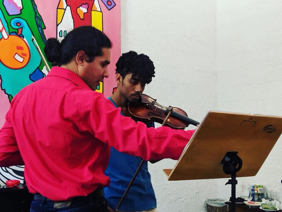MASTERCLASSES GRATUITA: Mozarteum Brasileiro promove Masterclasses de violino com Oscar Bohórquez, em São Paulo