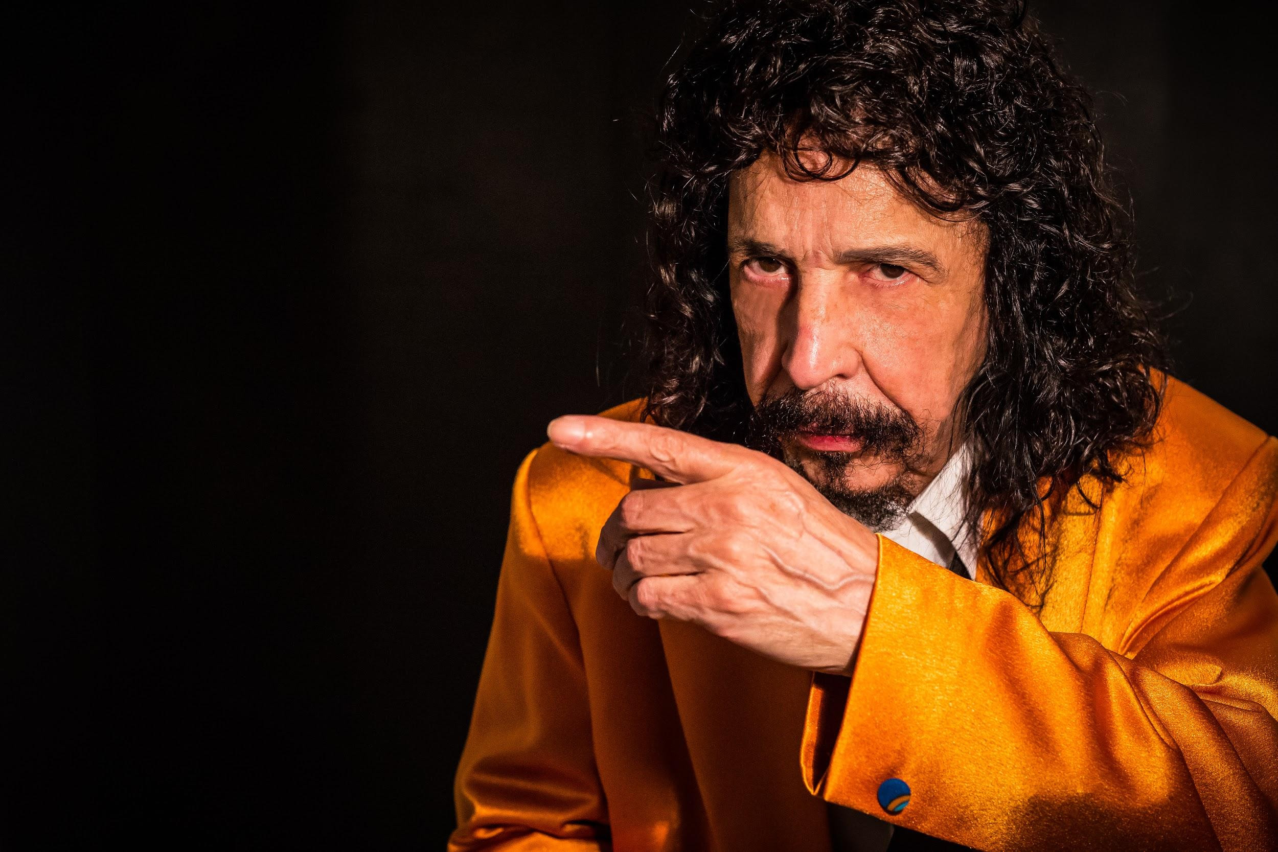 "Benito Di Paula apresenta turnê ""Fim de Papo"", no Teatro Bradesco SP"