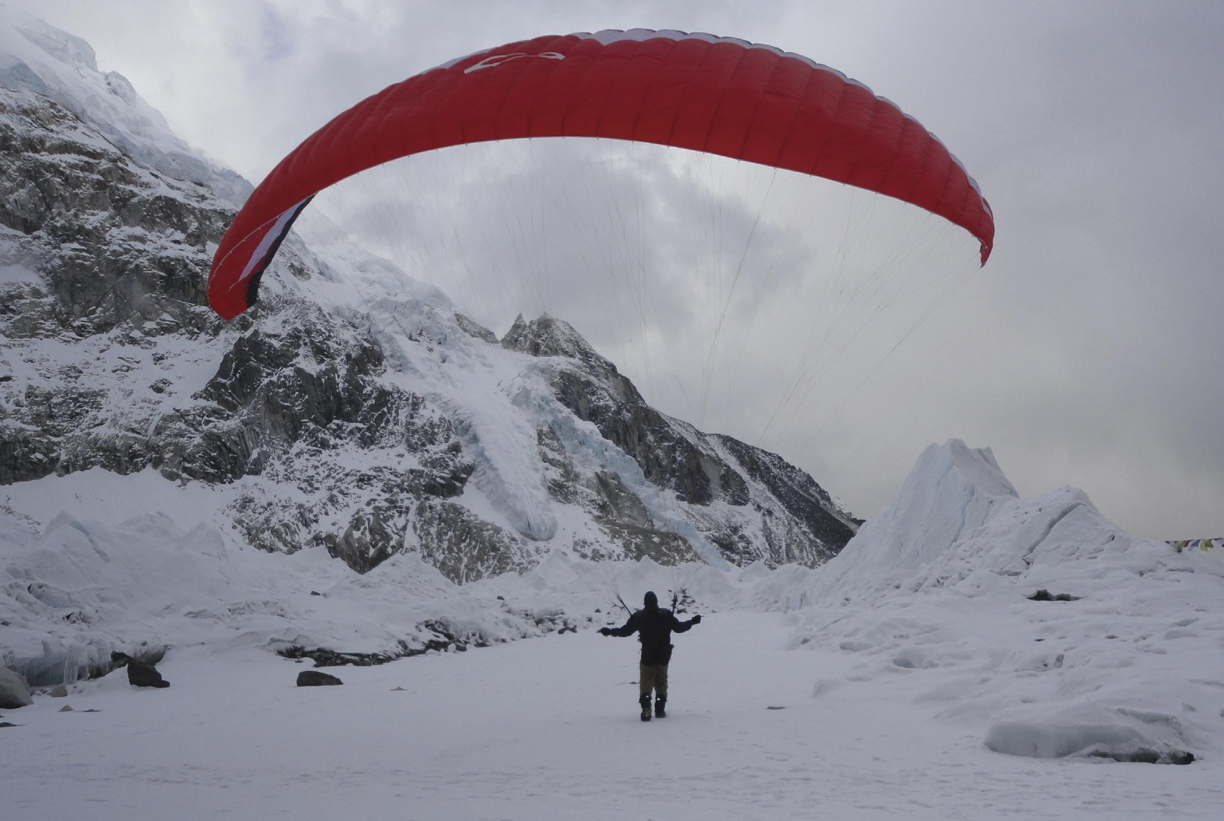 Alpinista Rodrigo Raineri divulga escalada como esporte olímpico em Projeto Everest 2019