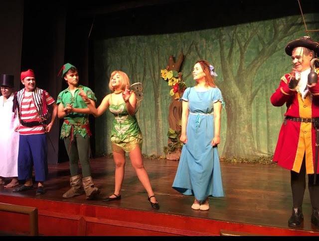 """""""Peter Pan e Sininho na Terra do Nunca"""" chega ao Teatro Bibi Ferreira em SP"""