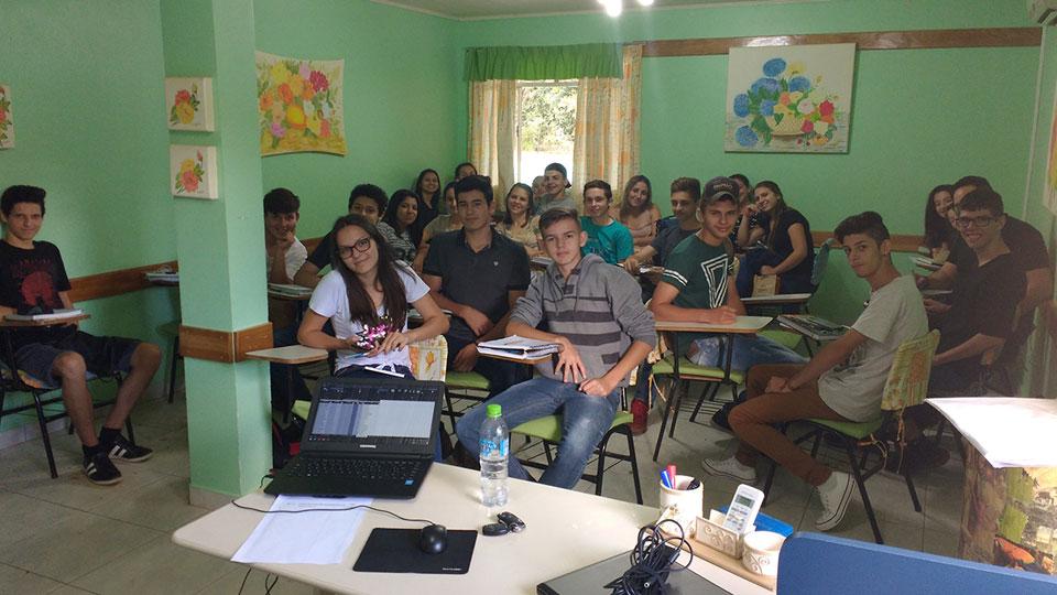 Ibema Papelcartão oferece curso profissional a jovens de Faxinal da Boa Vista