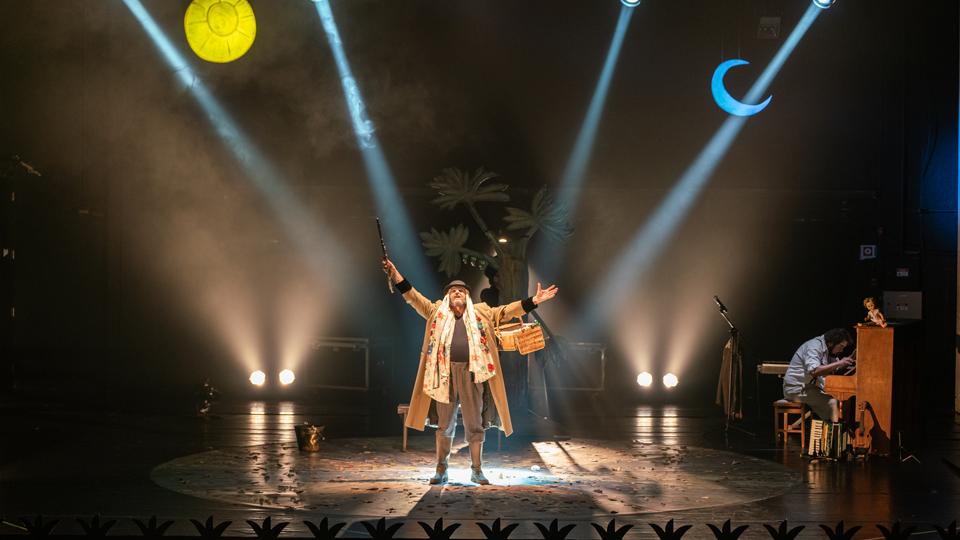 Espetáculo Terrenal – Pequeno Mistério Ácrata volta em cartaz no Teatro Raul Cortez