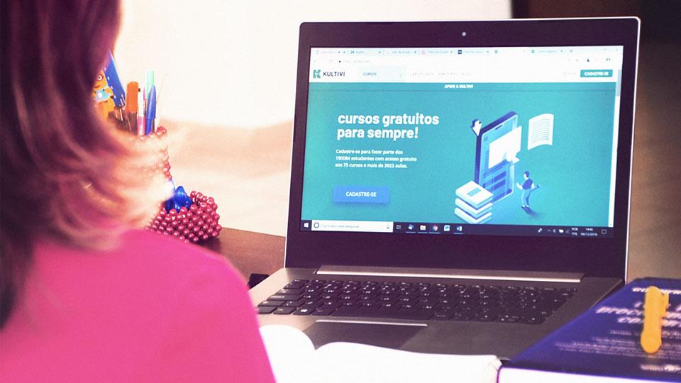 Startup oferece curso gratuito para quem vai fazer o Enem 2019
