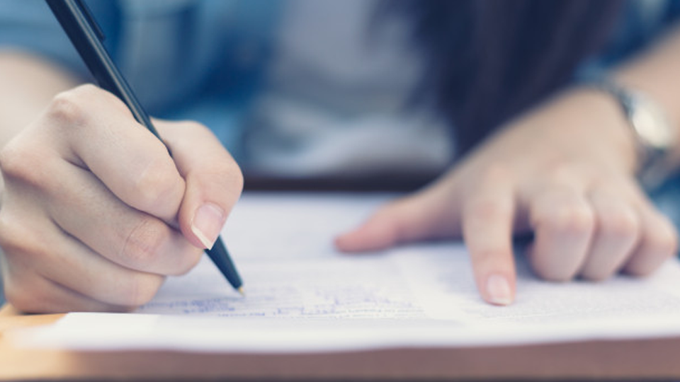 """Estudante brasileira de 16 anos fica entre os 4% de alunos com as melhores notas no """"Enem americano"""""""