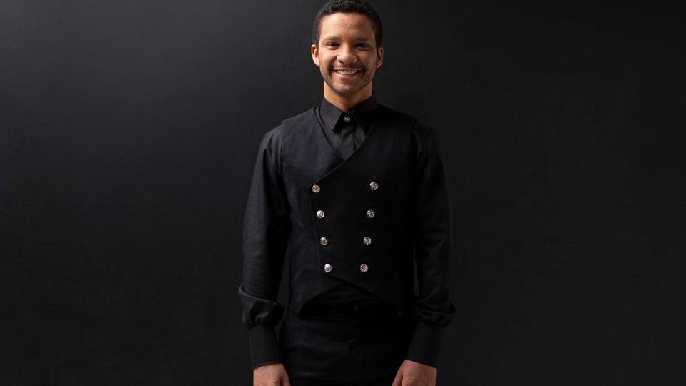 Jean William, um dos principais tenores do Brasil, faz show solo gratuito em São Paulo