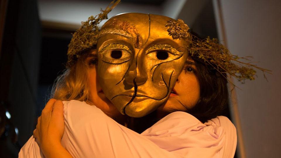 """""""Pandora"""" estreia temporada no Teatro Sergio Cardoso com reflexão sobre a representação da mulher na sociedade atual"""