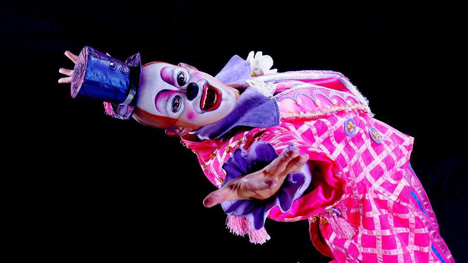 """Um dos primeiros brasileiros a protagonizar o """"Cirque Du Soleil"""", Marco"""
