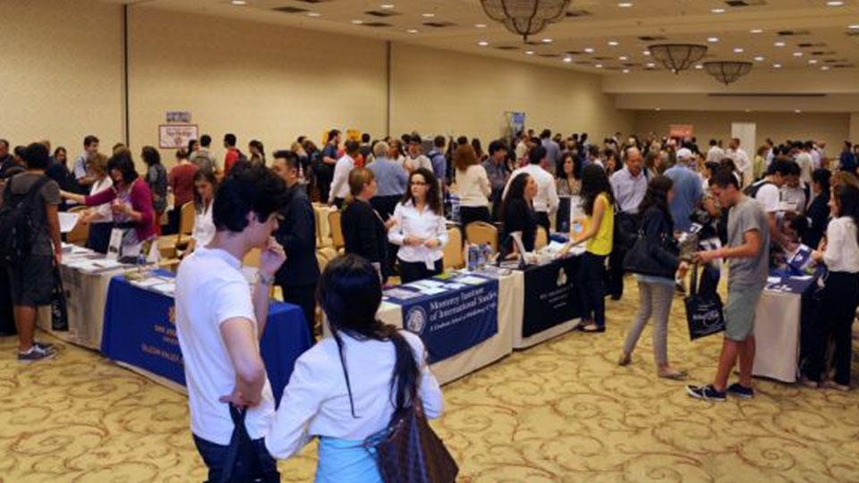 Oportunidades para estudantes de baixa renda em universidades americanas
