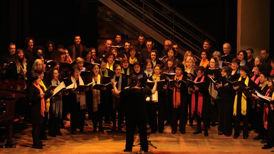 Coral da USP abre inscrições para população e seleciona cantores mesmo sem experiência