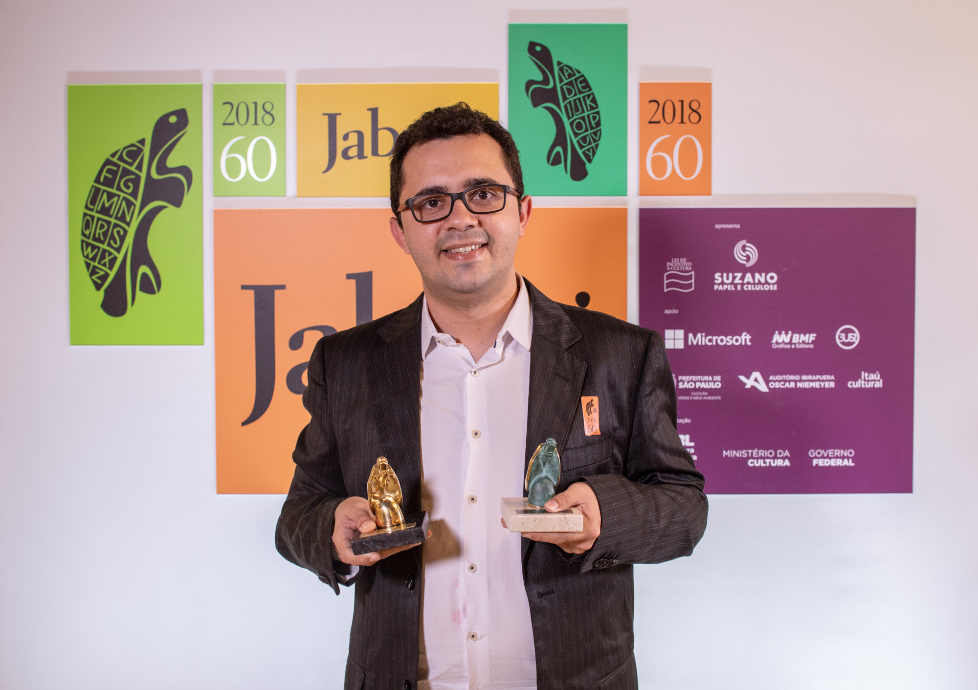 'À Cidade' é o Livro do Ano do 60º Prêmio Jabuti