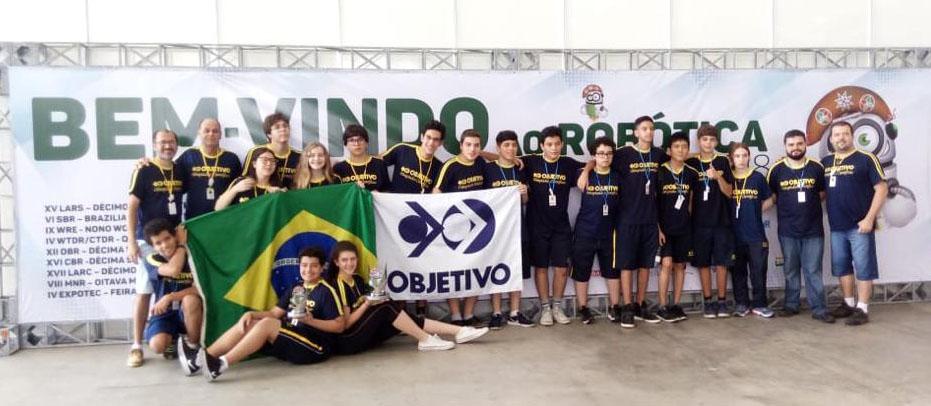ESTUDANTES BRASILEIROS CONQUISTAM VAGAS PARA O MAIOR TORNEIO DE ROBÓTICA DO MUNDO (2 medalhas de ouro, 1 prata e o Prêmio Maker)