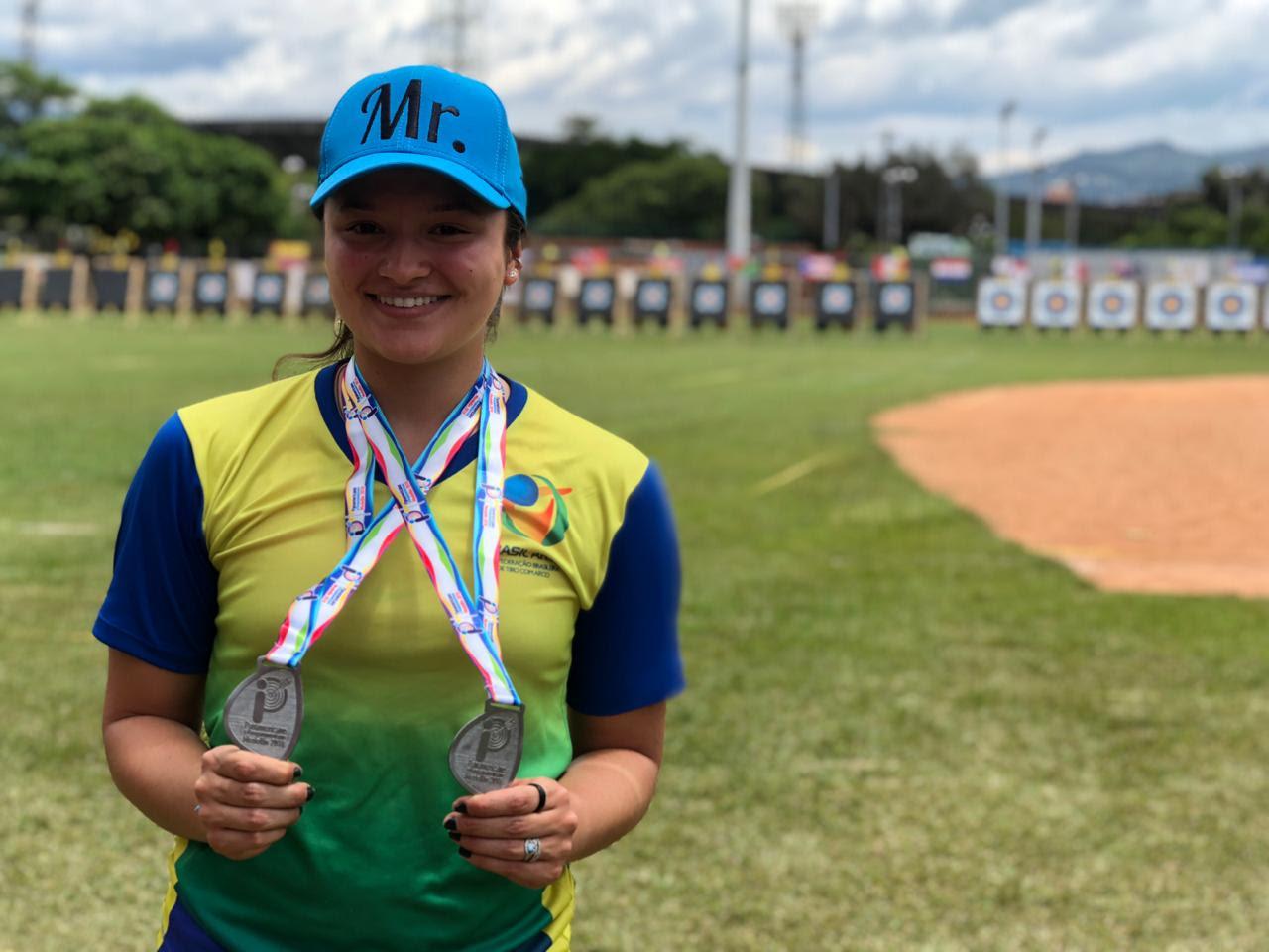 Atleta brasileira de tiro com arco se prepara para buscar vaga nas Olimpíadas de 2020