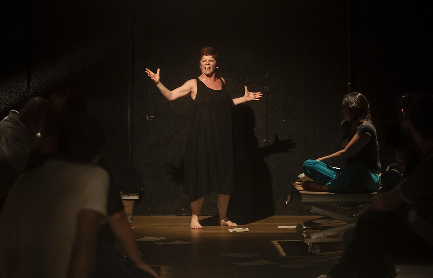 'Uma frase para minha mãe', com Ana Kfouri, encerra temporada, neste domingo, no Espaço Cultural Municipal Sergio Porto