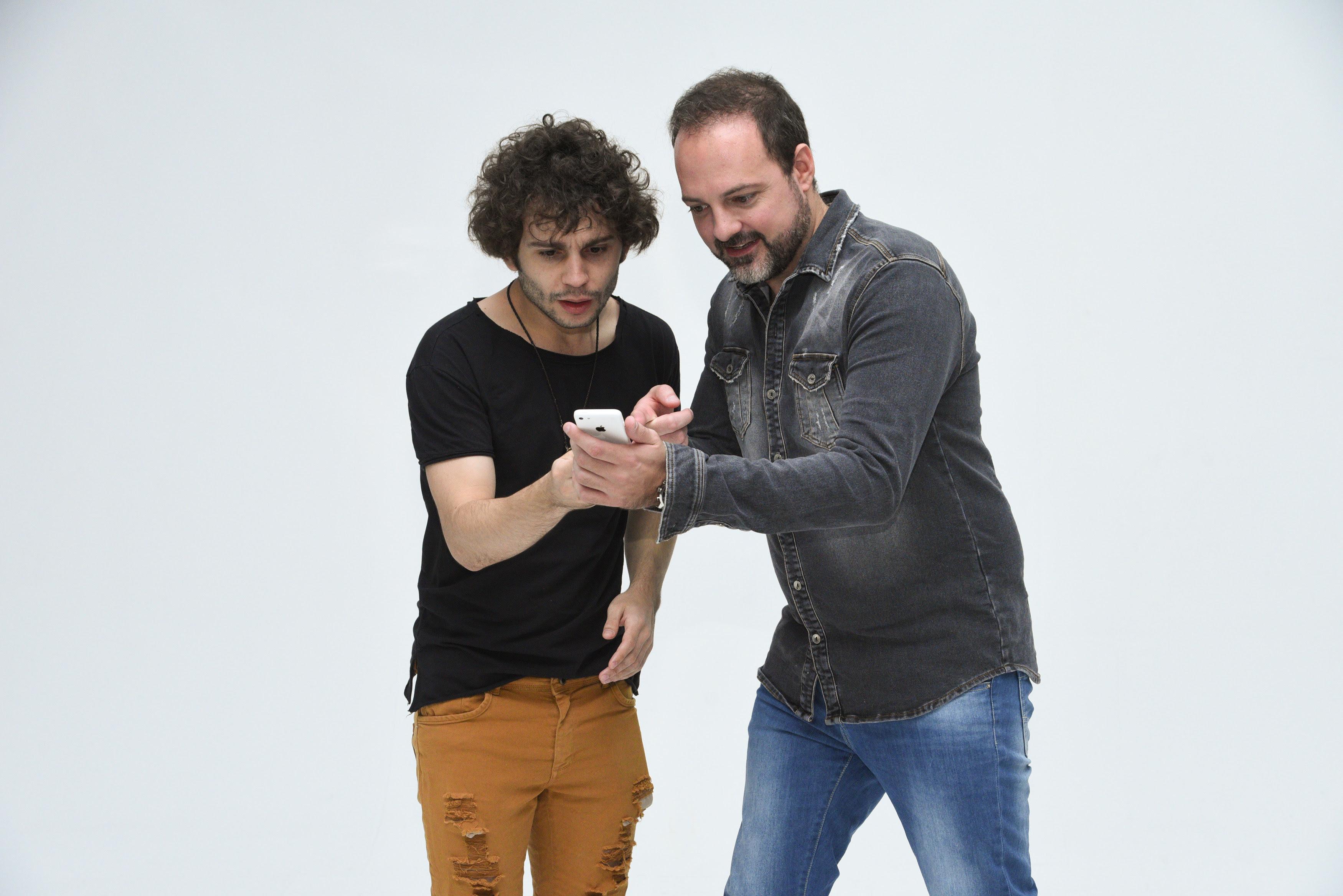 """Comédia """" Deu Match"""" segue em cartaz no Teatro Jardim Sul"""