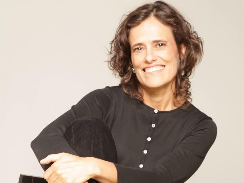Zélia Duncan canta sucessos no Sesc Parque Dom Pedro II . Grátis