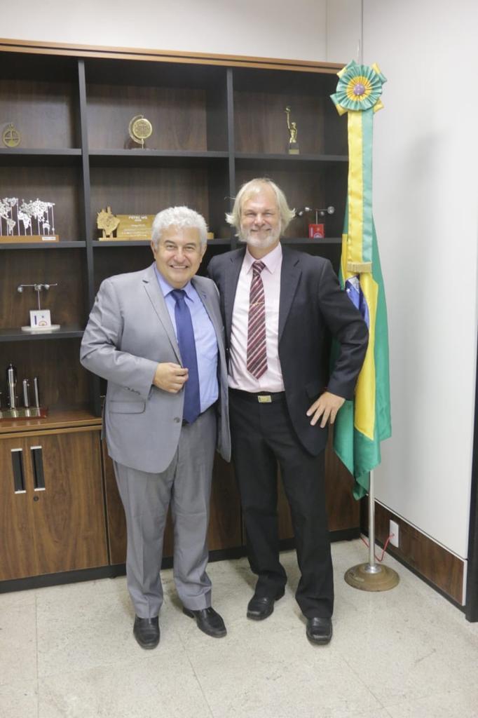 Aluno brasileiro campeão de Olimpíada Latino-Americana de Astronomia e Astronáutica é recebido pelo ministro Marcos Pontes