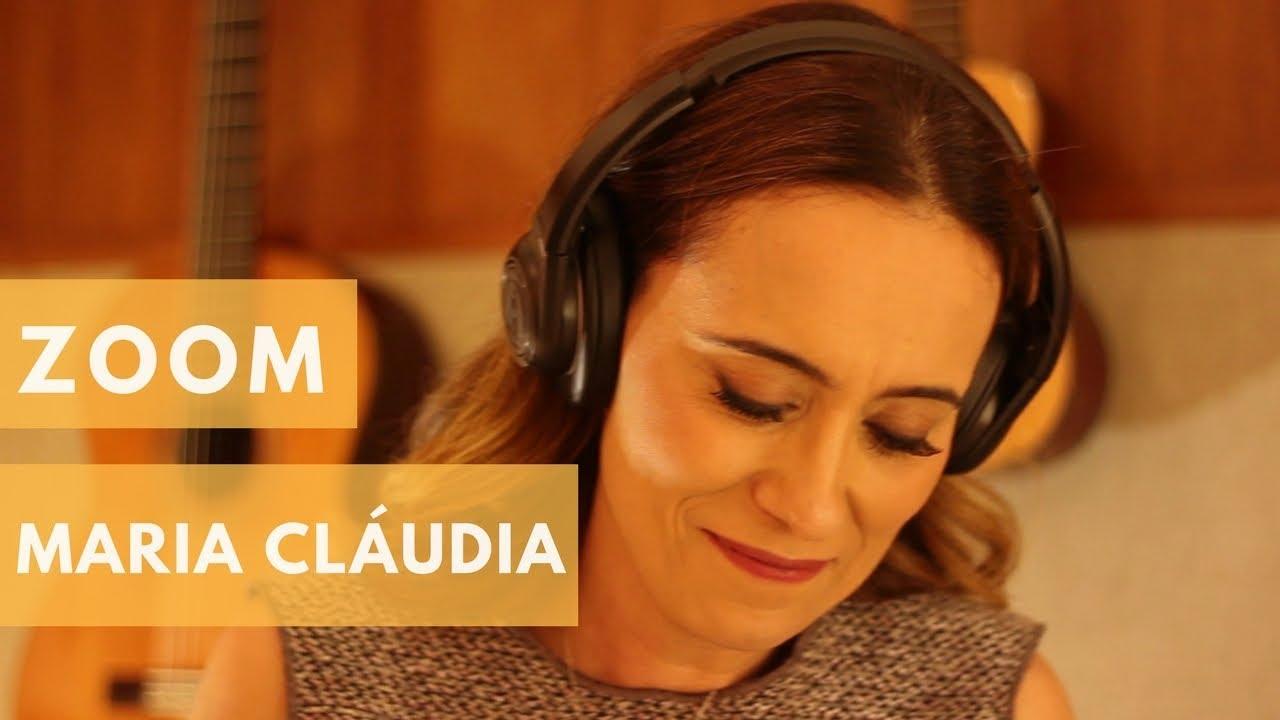 A cantora Maria Cláudia Mesquita se apresenta no Teatro Bruta Flor