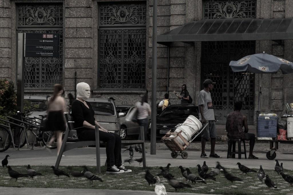 Caixa Preta, instalação teatral com direção e dramaturgia do argentino Fernando Rubio no CCBB Rio – a partir de 21/3