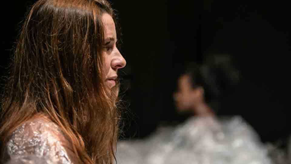 """Duda Maia dirige ópera performática """"Migrações"""", idealizada pelo poeta Geraldo Carneiro"""