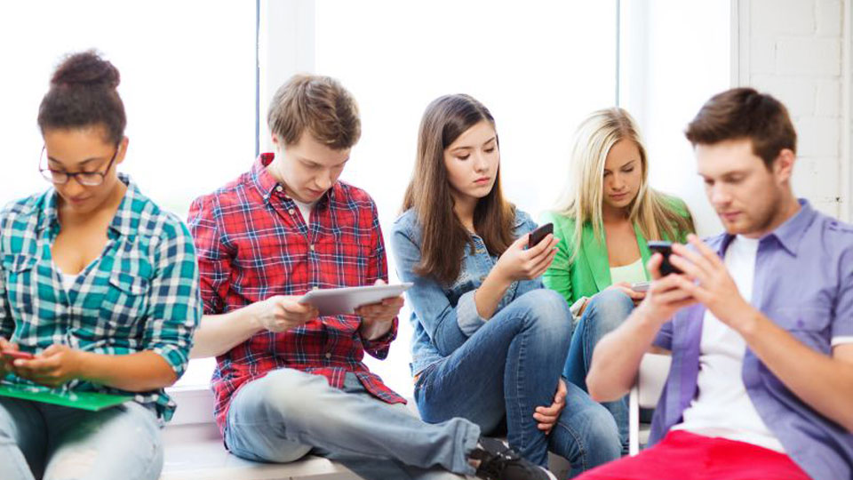 Jovens deixam as redes sociais, escolha reflete nos estudos