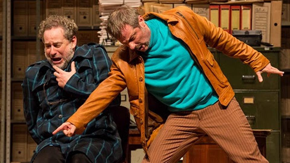 Dan Stulbach em A Morte Acidental de Um Anarquista abre o projeto de teatro a R$ 5 no Municipal
