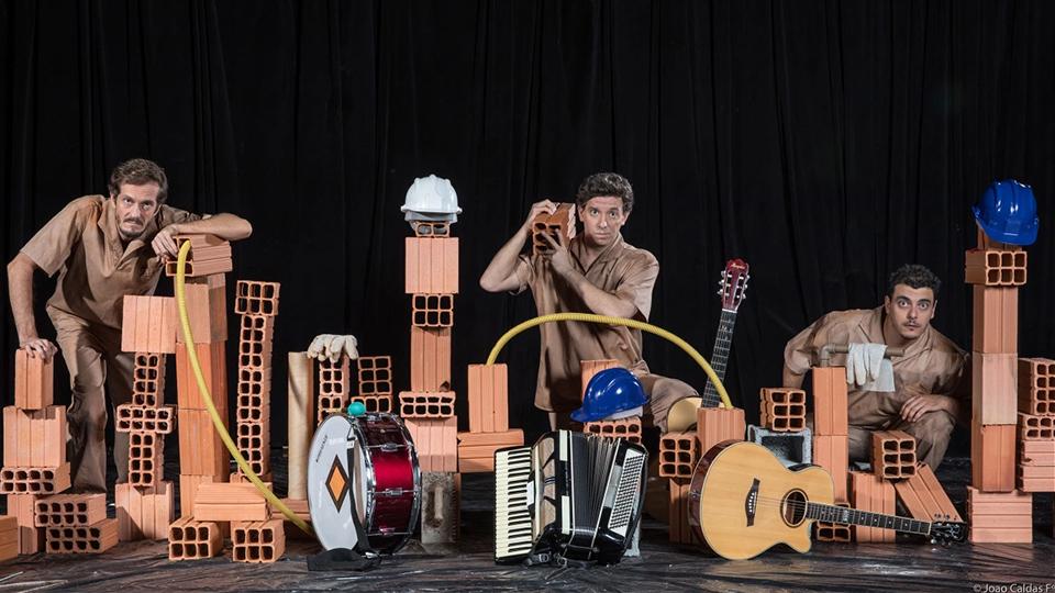 """""""Di Repente"""" Um musical Brasileiro capaz de encantar e comover com uma história humana sobre o homem comum"""