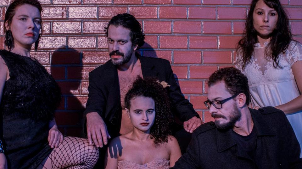 """Inspirada em obras de Bergman, """"Os Analfabetos"""" estreia em 7 de junho na Caixa Cultural Rio de Janeiro"""