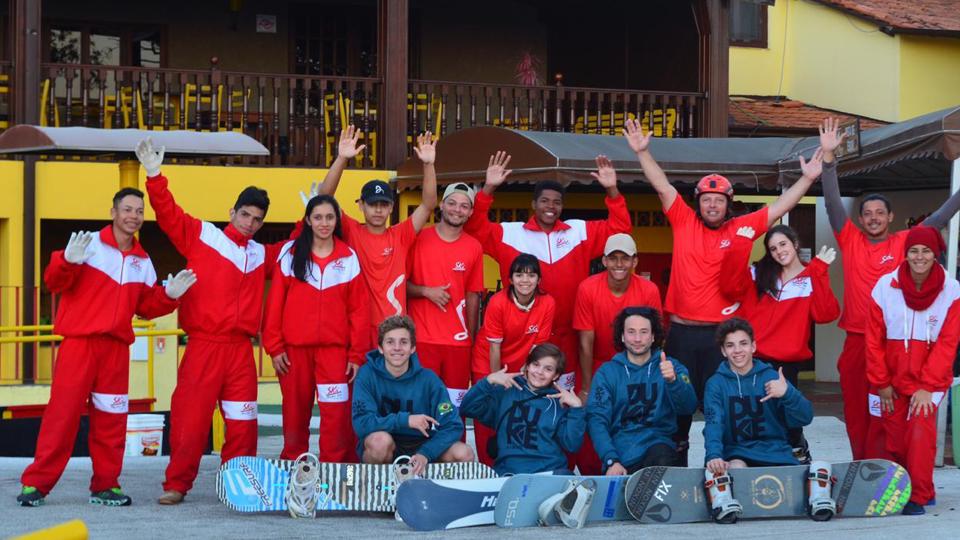 Brasil é palco de treinamento de snowboard