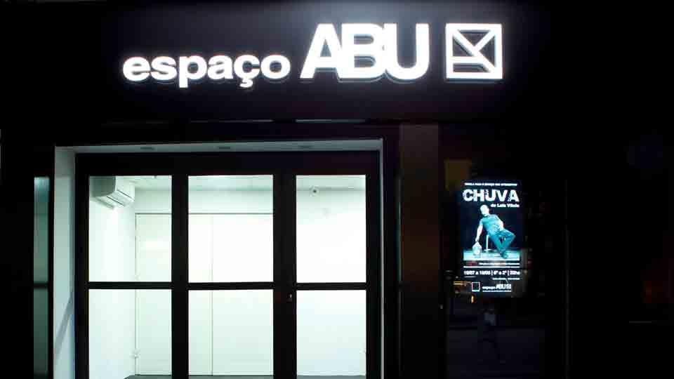 Espetáculo 'Chuva' marca abertura do Espaço Abu, em Copacabana, dia 19 de julho