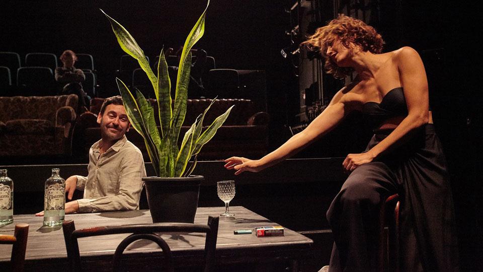 """""""Por que não vivemos?"""", da companhia brasileira de teatro, estreia no CCBB-Rio na quarta, dia 3 de julho"""