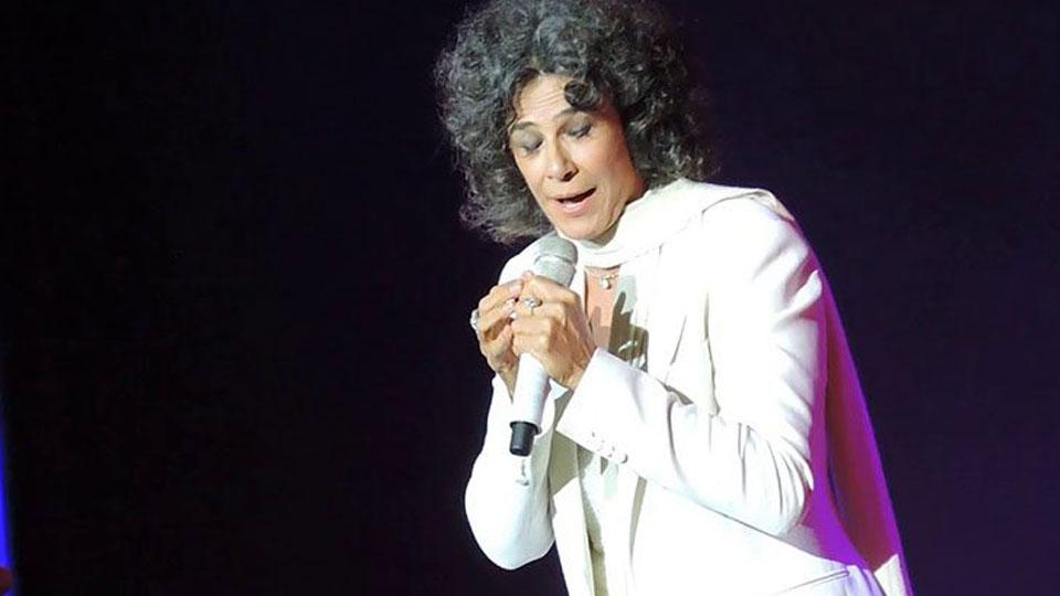Simone Canta Ivan Lins dia 9 de julho no Teatro Porto Seguro