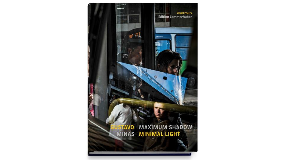 Gustavo Minas lança seu primeiro livro em São Paulo, na Belas Artes