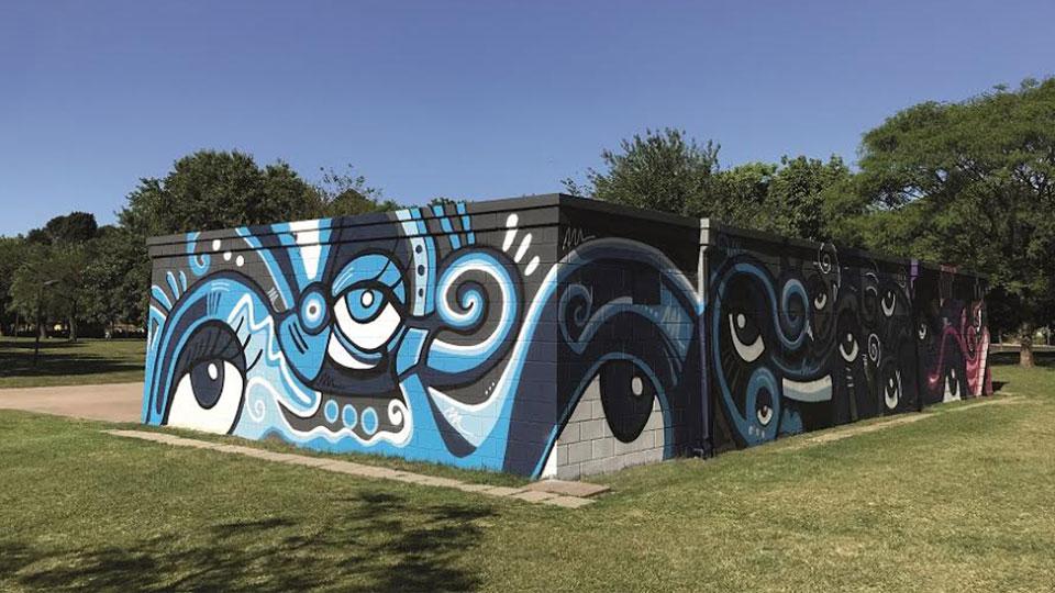 """Exposição """"Cores do Mundo"""" mostra intervenções urbanas do artista Makarra"""