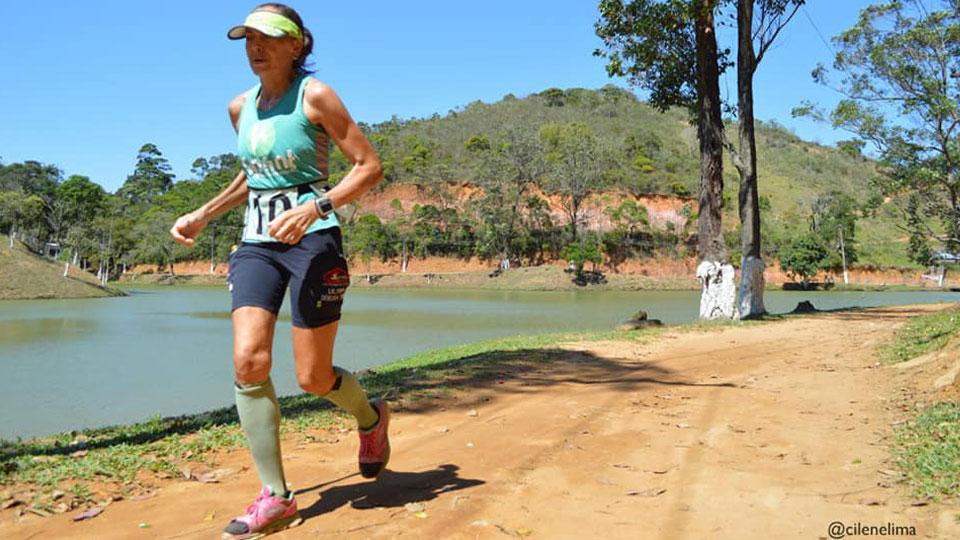 Mulher de ferro – Quem é a ultramaratonista Débora Simas