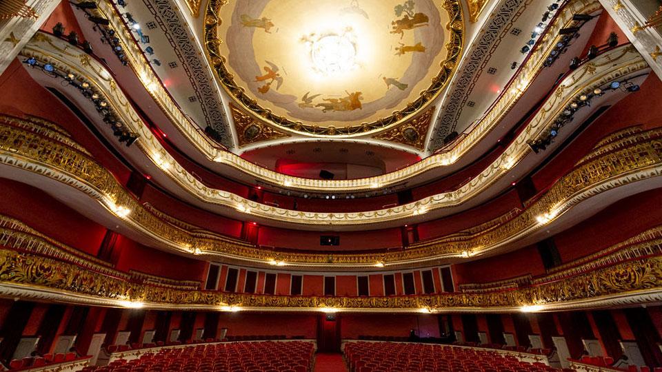 Theatro Municipal estreia opereta A Viúva Alegre com direção de Miguel Falabella e apresentações a R$ 20