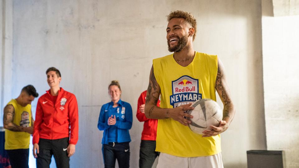 Neymar faz balanço de 2019, sonha com Copa América e monta 'dream team' de seu torneio