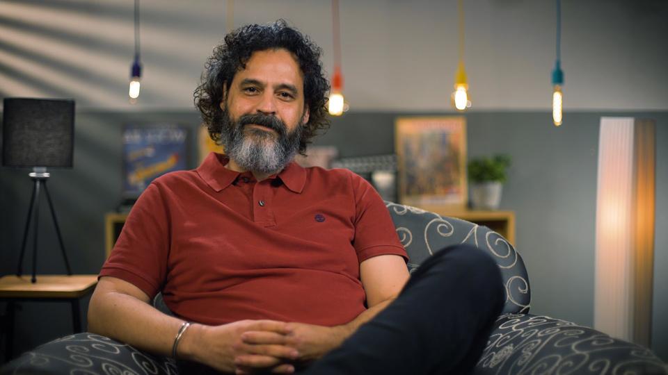 """Com visual novo, Bruno Garcia fala em entrevista ao Canal Like sobre o filme franco-brasileiro """"A Salamandra"""""""