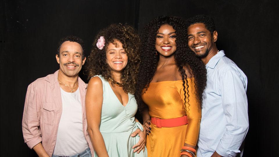 Espetáculo musical Quando A Gente Ama – com Sambas de Arlindo Cruz