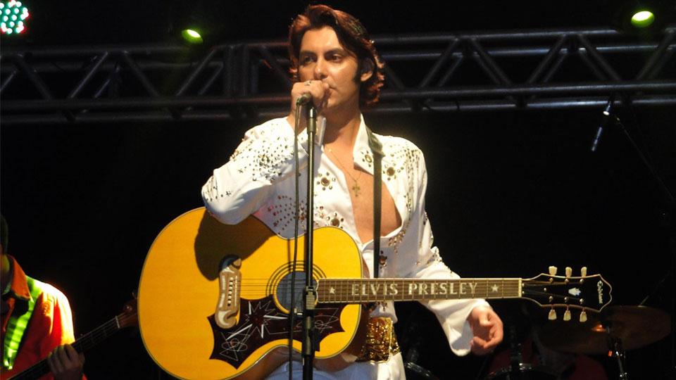 Léo Presley & A Máfia de Memphis faz LIVE em prol do Cantinho Fraterno em São Carlos/SP