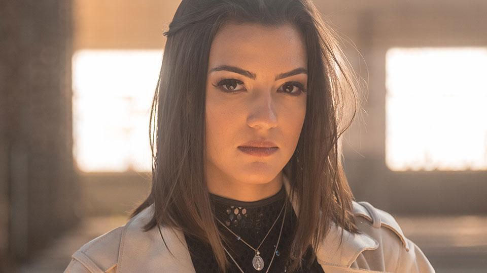 Cantora Lala Dias retrata o encontro com sua própria essência no clipe Sinais