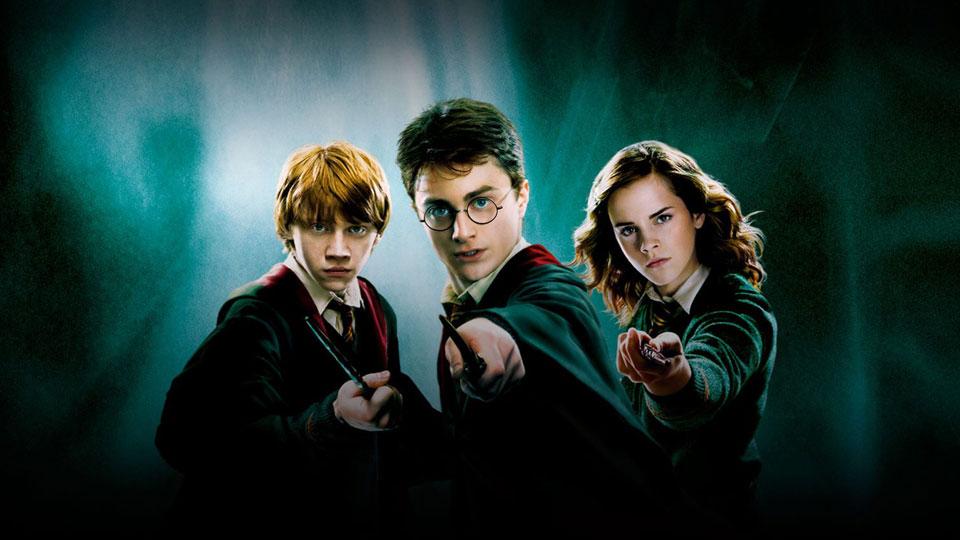 Em homenagem aos 23 anos de Harry Potter, linguistas listam os idiomas mágicos da série