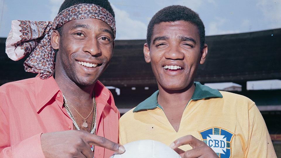 Simoninha presta homenagem ao pai, Wilson Simonal nos 20 anos de morte do primeiro popstar negro do Brasil