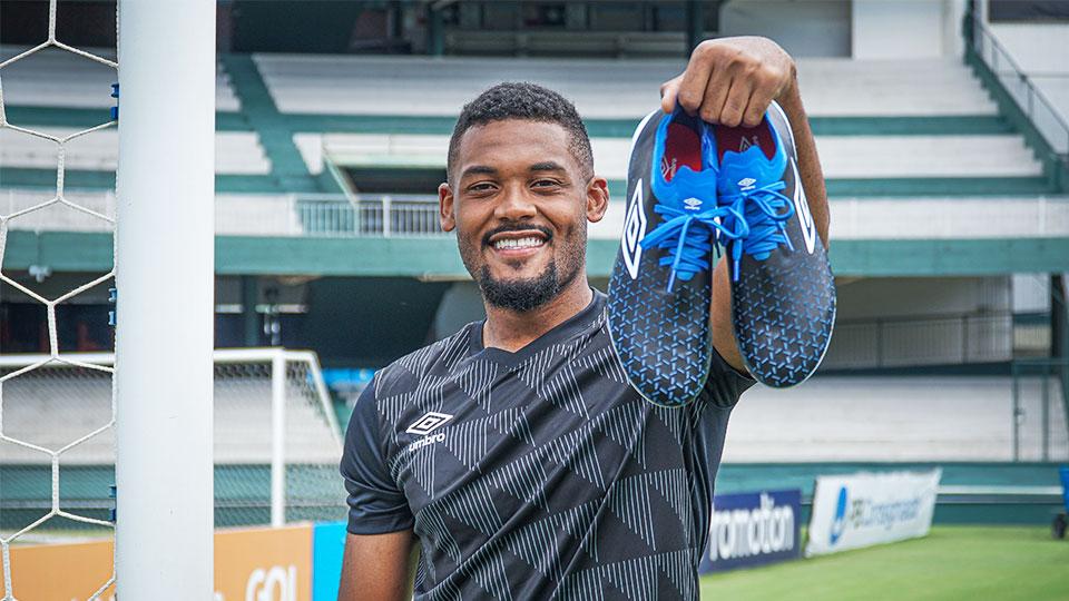 Sabino é o novo atleta da Umbro Brasil