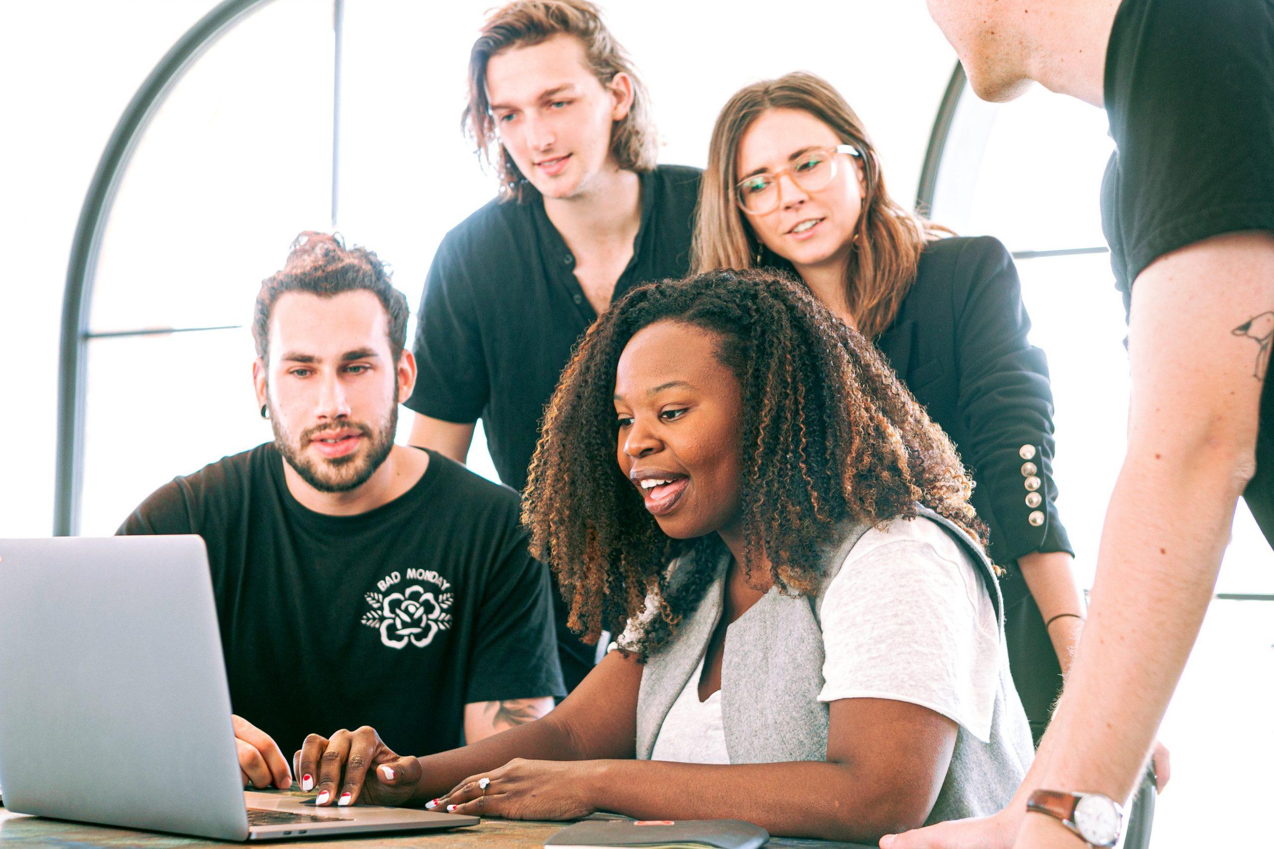 Empreender no Brasil é sonho de carreira de jovens universitários