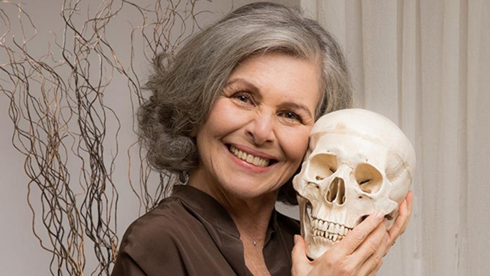 'Alma Despejada', monólogo com Irene Ravache, tem exibição gratuita e online no dia 09 de setembro