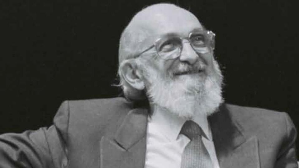 Abresc retoma atividades com Clube do Livro, homenagem a Paulo Freire e coletânea sobre o Holocausto